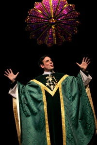 Sean Patrick Reilly as Father Flynn in Geva's production of Doubt