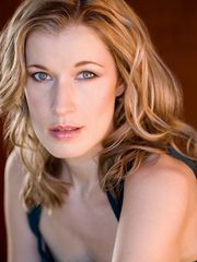 Monette Magrath plays Amanda in PRIVATE LIVES.
